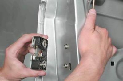 3076 - Установка замка двери ваз 2110