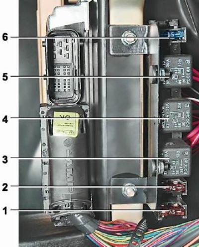 Предохранитель бензонасоса ваз 2114 где находится фото